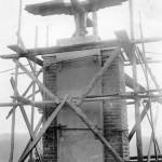 Eingerüstetes Kriegerdenkmal